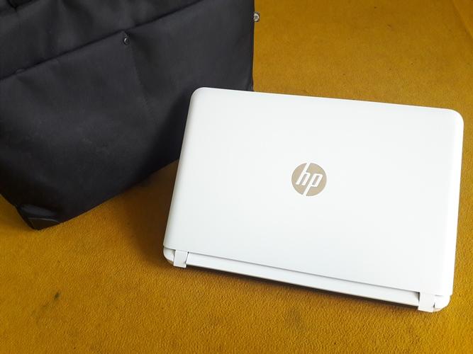 HP 14 - ab135TX
