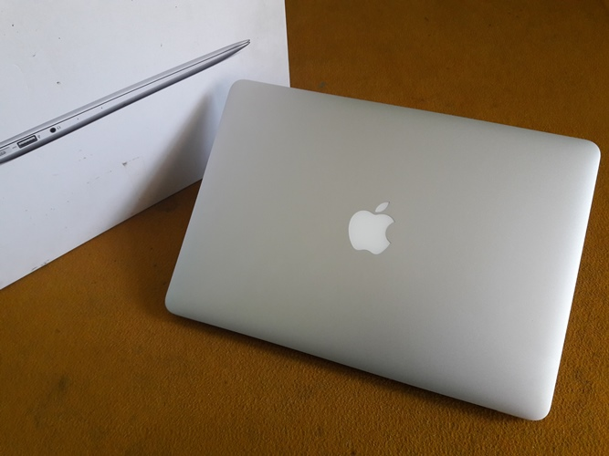 MacBook Air MD760