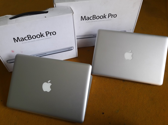 MacBook Pro MD 313 dan MC700