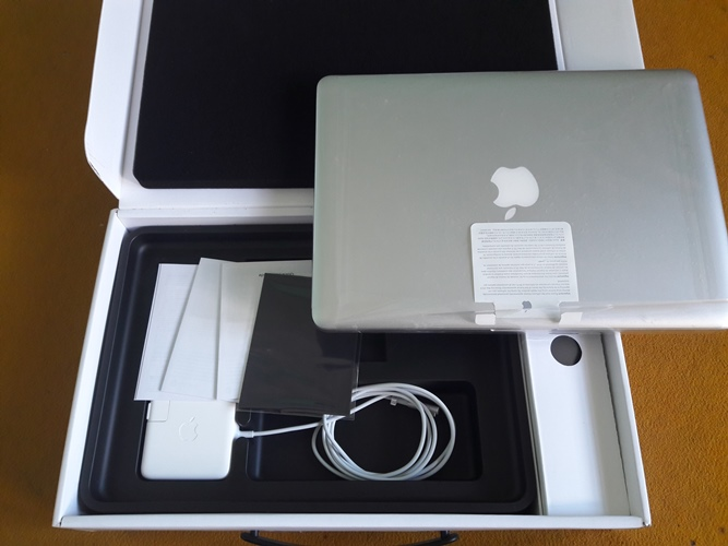 MacBook Pro MD 102