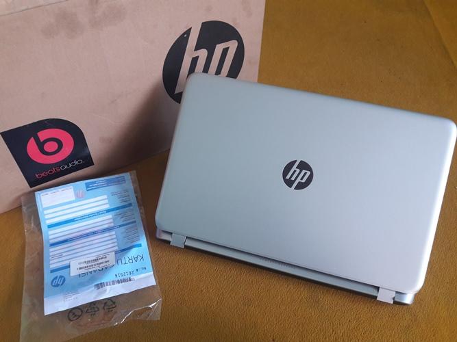HP 15-p231AX