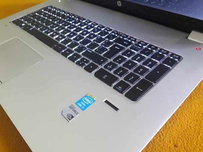 HP Envy 17-j073ca