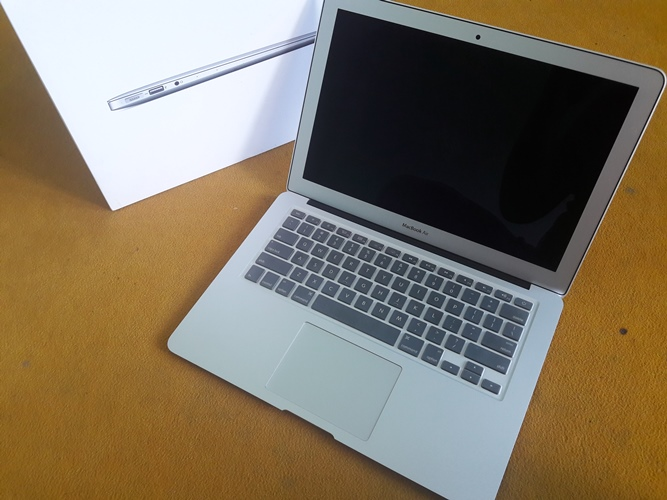 MacBook Air MMGF2