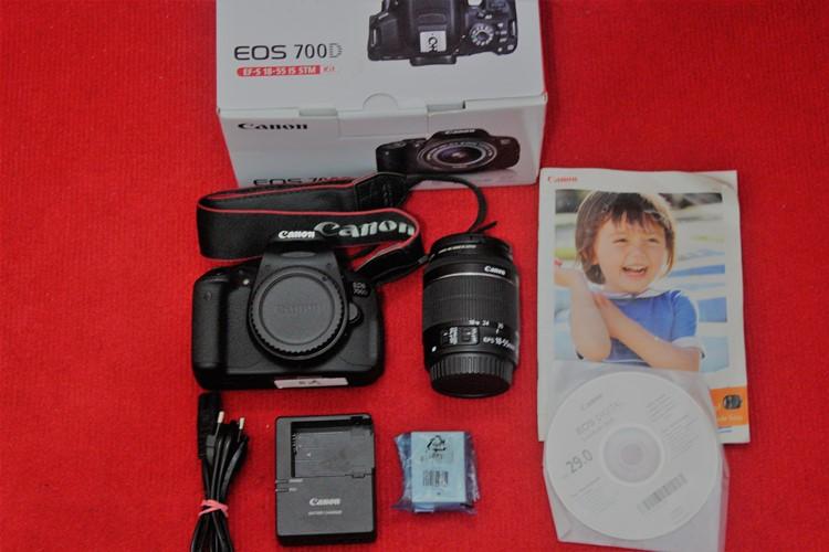 Jual Kamera DSLR Canon EOS 700D