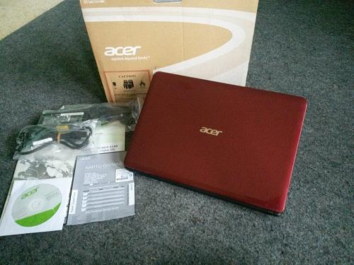 Acer Aspire E1  (1)