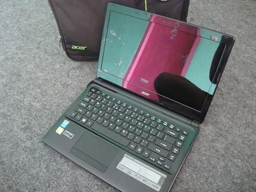 Acer E1 - 472G  (2)