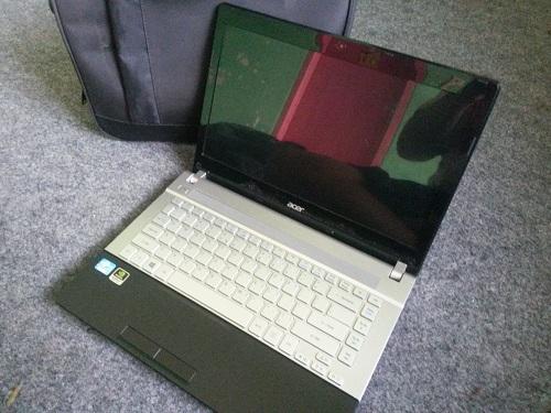Acer V3  (2)