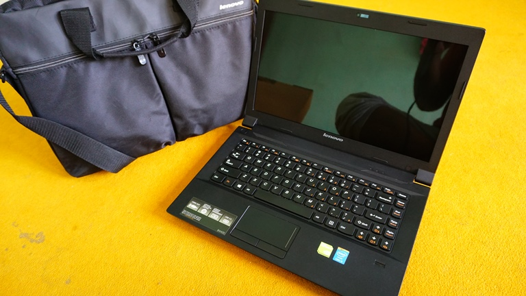 Lenovo B4400