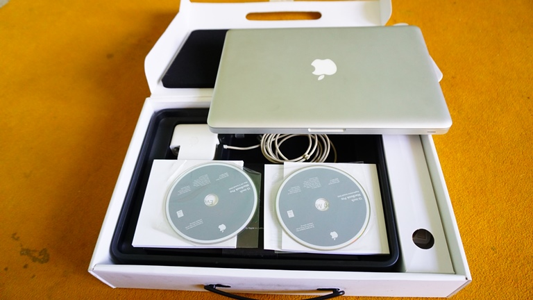 MacBook Pro MC374