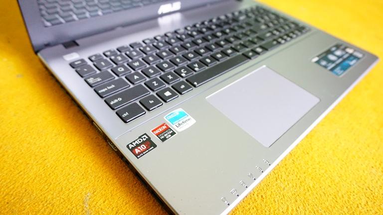 Asus X550D