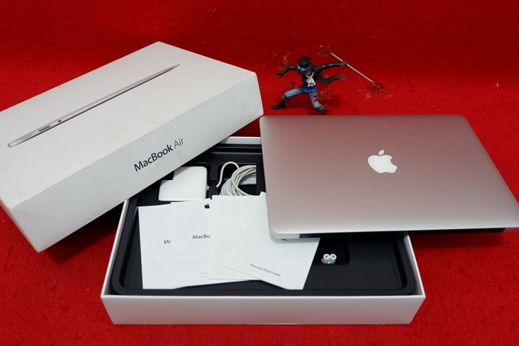 MacBook Air MQD32 2017 core i5