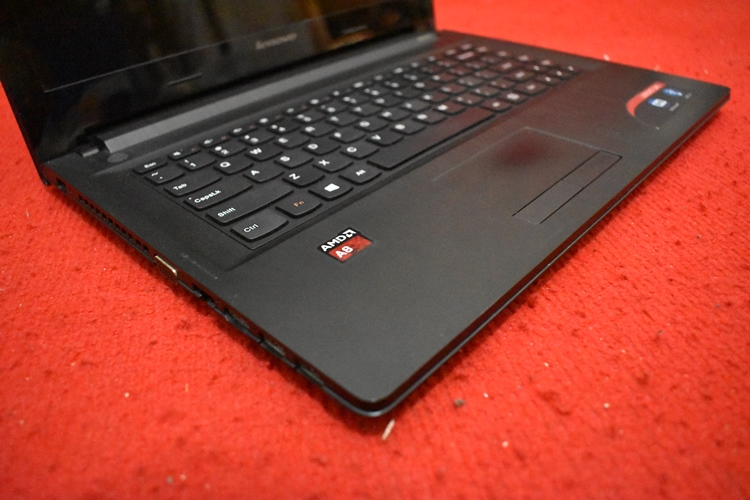 LENOVO G41-35 AMD A8 - 7410 with AMD RAdeon R5