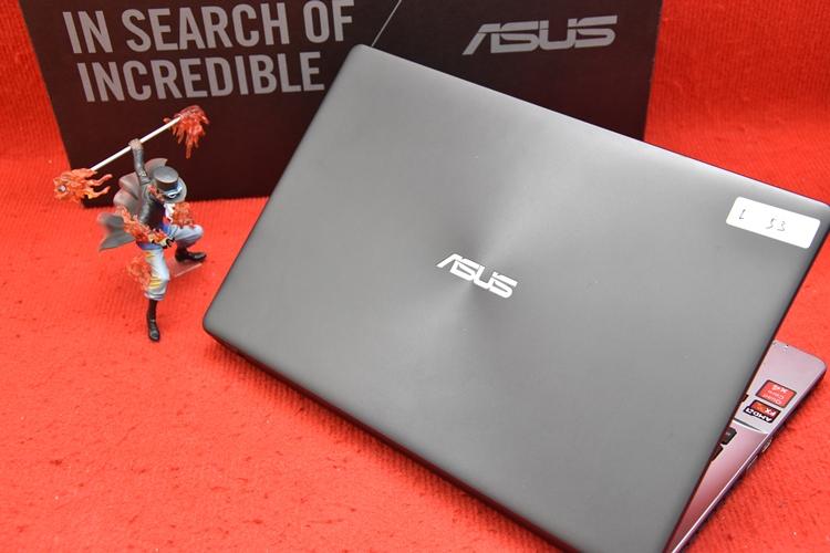 Asus X550ZE AMD FX + AMD Radeon R7