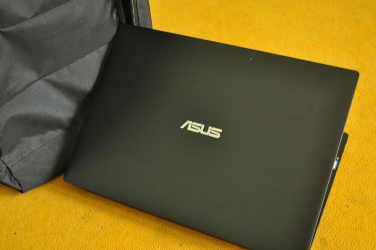 Asus Pro P2430UJ