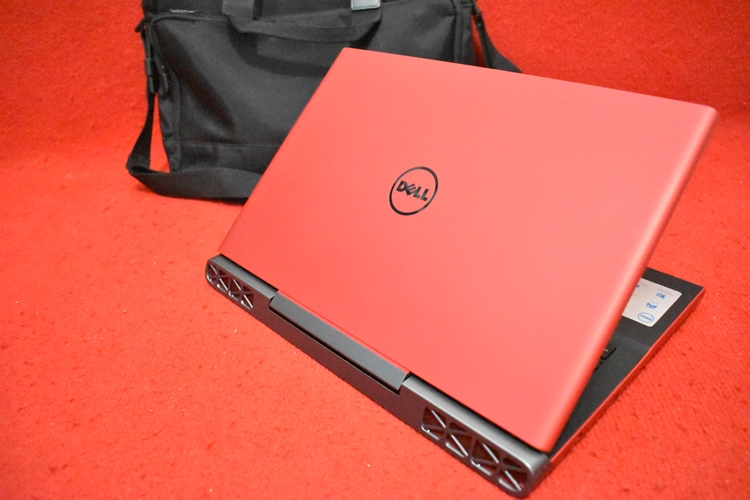 DELL Inspiron 15-7000 Core i7 - 7700HQ + Nvidia GTX 1050 Ti