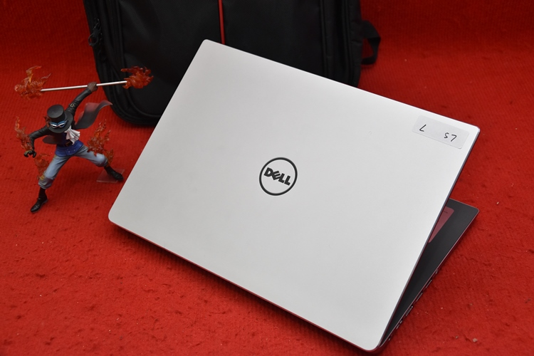 Business Dell Inspiron 7460 Core i5 + Nvidia 940Mx