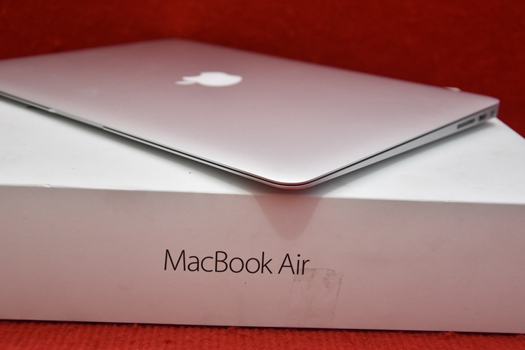 MacBook Air MMGF2 Core i5