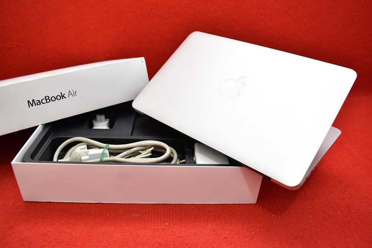 MacBook Air MD712 Core i5
