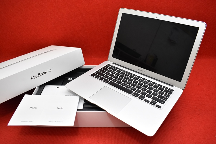 MacBook Air MD760 Core i5