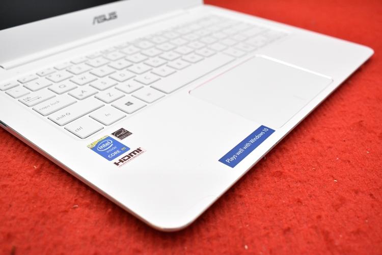 Asus ZenBook UX305F Core M - 5Y10c