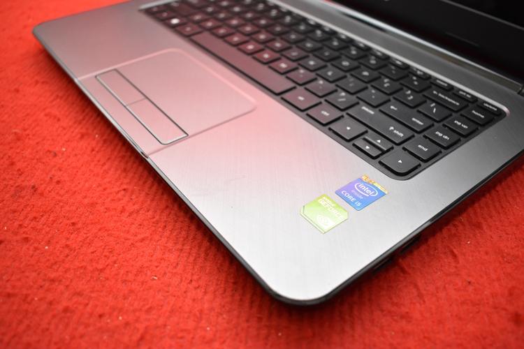 HP 14 - r202TX Core i5 - 5200U + Nvidia 820M
