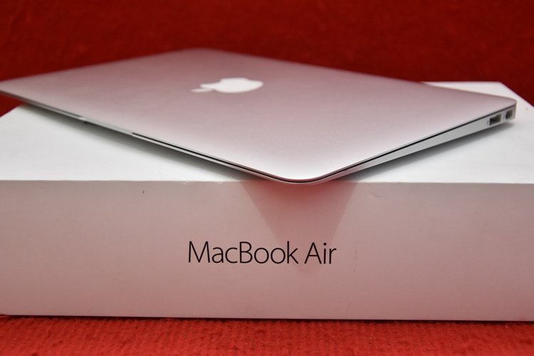 MacBook Air MJVM2 Core i5