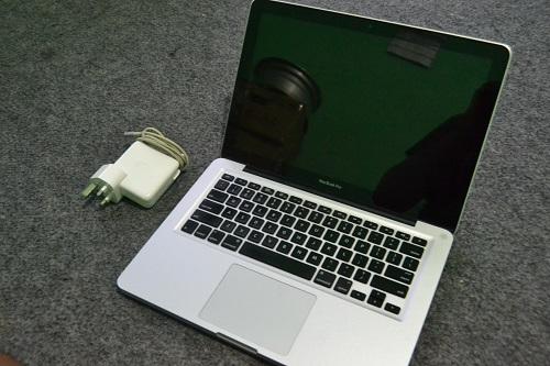 MacBook Pro 8.1  (3)
