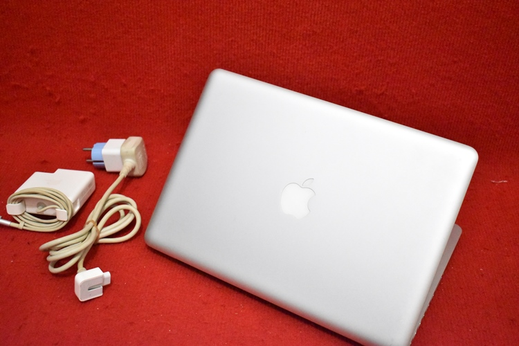 MacBook Pro MD 102 (1)