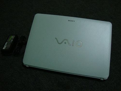 Sony Vaio SVF14218SGW  (1)