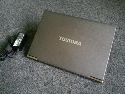 Toshiba Portege Z935-P300  (1)