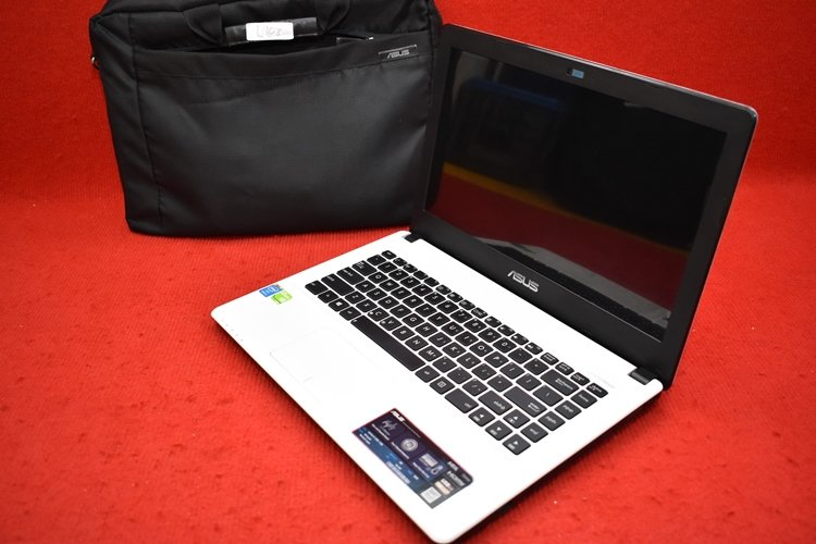 Asus A450LC Core i5 4200U + Nvidia 720M